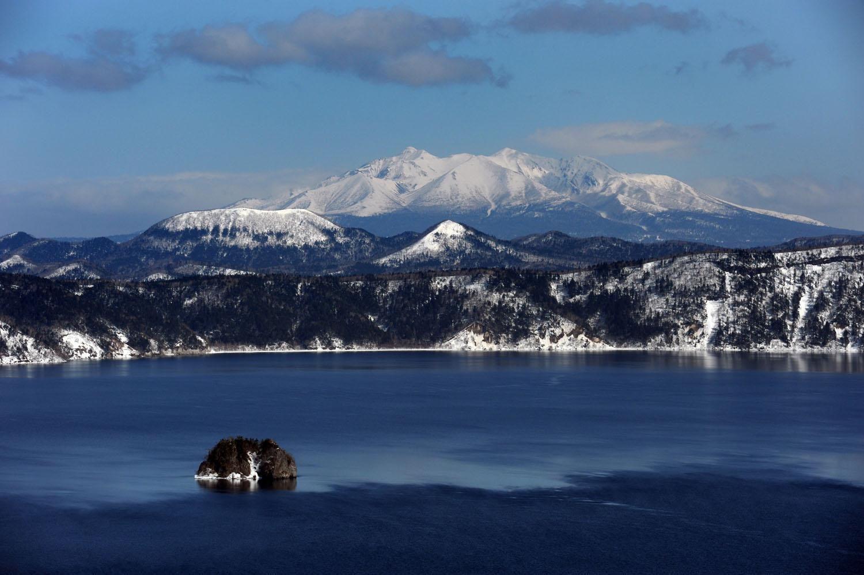 Lake Mashu in winter